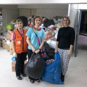Subterrânea doa mais de 150 peças de roupas para a Campanha do Agasalho 2014